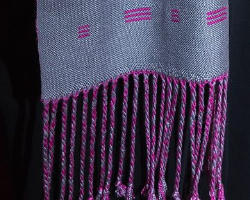 Lovely scarf with hot pink inlay
